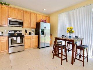 Vista Cay Resort - Luxury 3BD/3.5BA Townhouse - Sleeps 8, Orlando