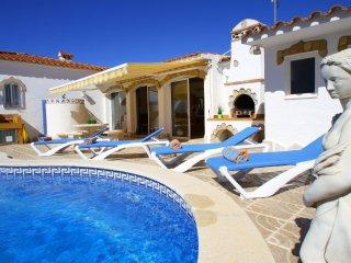B28 NORA villa con piscina privada y jardin