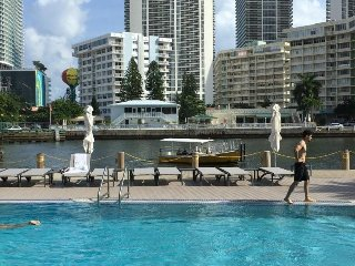 Amazing place in Hallandale Beach, BeachWalk