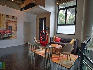LA Loft - 3b/3bth - in the heart of it all!