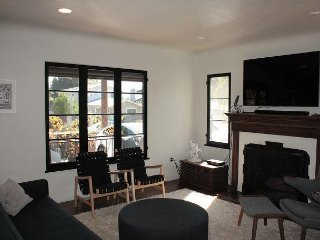 3b.2bth New Family Home walk to hiking, Altadena