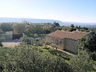 2 Stone Villas in Gordes Luberon for 6p. each with private eated pool