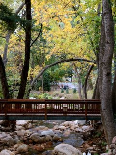 'Creek Side' is a romantic mountain retreat for couples and a great location for hikers, mountain bikers and nature...