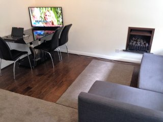 2 Bedroom Appartment Available, London