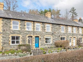 THE CRAIG, pet-friendly, enclosed patio, WiFi, Llanelwedd near Builth Wells