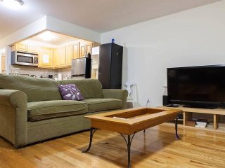 SPACIOUS Loft-Style Aptw/Elevator in Trendy LES! Lincoln Center Festival!