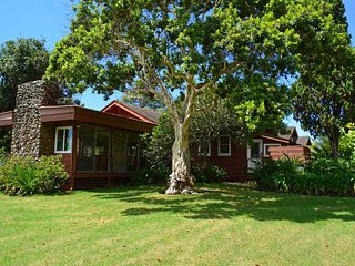 Enjoy Maui's History in Ocean View Home in Rural Countryside - Permitted, Makawao