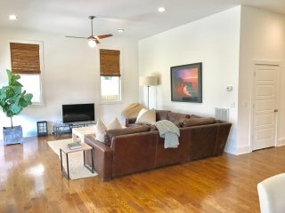 Home in Prime Location East Nashville - Walk to Downtown