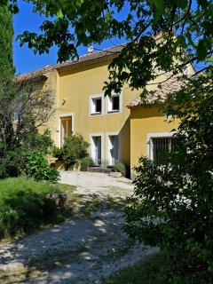 'Les Cypres': Lovely and very typical: Gite in Provence with High Standards