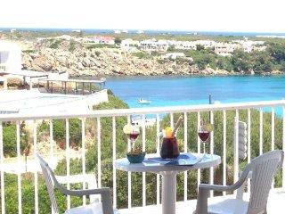 Acogedor apartamento con estupendas vistas al mar en Arenal d'en Castell