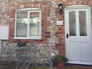 Bluebell Cottage. Great base for all North Norfolk, Docking