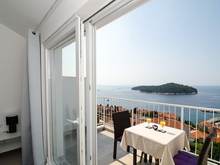 Ploce Apartments - Studio Apartment with Balcony and Sea View-Lukše Beritića 19