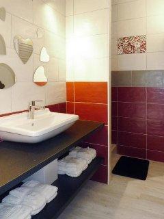 salle d'eau ( wc séparé)