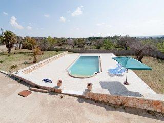 Villa Rux, Parabita