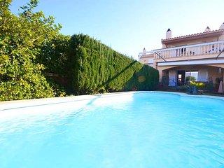 Villa en Lago Esperanza con piscina privada, kayak, Wifi, Barbacoa, Port d'Alcúdia