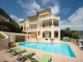 French riviera. Luxury 2 bdr. Private pool.Amazing sea view. fitness center.