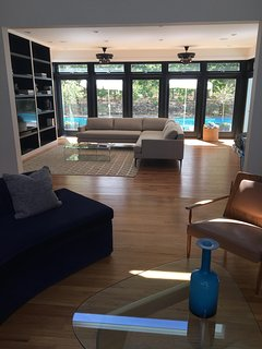 Double living room, two sitting areas