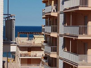 Apartamento cerca de Gandia, a 100 mts playa de Piles, 4º sin ascensor, 3 dorm