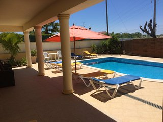 Air conditioned 1 and 2 bedroom villa apartments (FREE Wi-Fi, close to Old Town)