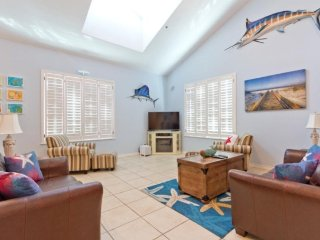 Dog-friendly condo with balcony, shared pool, & hot tub - close to the beach!