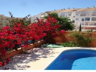 OFERTA ESPECIAL Excelente y moderna villa con piscina.