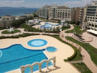 T) Sunset Resort, Pomorie, Sea View Penthouse 2 bed apt. in Delta building.