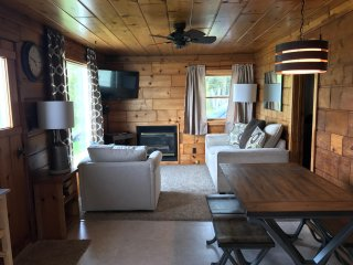 Sleeping Bear Dunes Lake Front Cottage