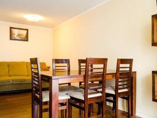 Great location apt spacious 3 bedroom 2 bath parking, Santiago