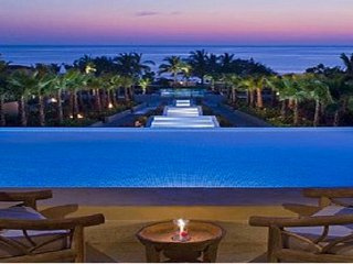 ON THE BEACH • Incredible VIEWS • 4 Seasons Resort • PREMIER CLUB •FT Cook/Hskpr