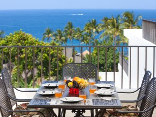 Royal Sea Cliff 707. 2/2 Panoramic ocean view 5⭐️ Reviews. 10%off June/July/Aug, Kailua-Kona
