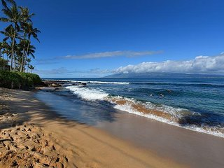 New Owners Updating Studio Now! Ocean View From Lanai, Steps To Napili Bay!, Lahaina