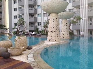 Comfy Condominium near Airport