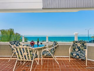 Oceanfront Carlsbad Beachfront Condo 180 degrees Ocean Views Walk to Village