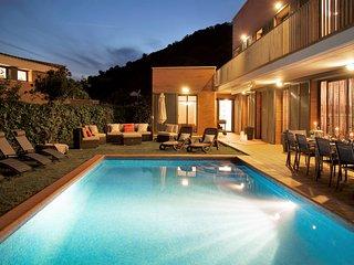 Villa Sitges La Gavina . 3 minutes centre. Vue sur Mer. Zones exterieures extra.