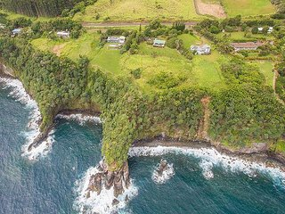 Ocean Bluff Home on the Hamakua Coast, Ninole