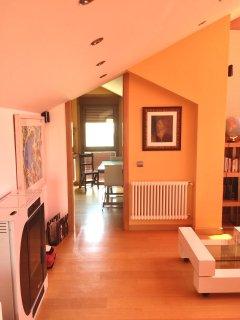 Vista del salón con el vestidor al fondo