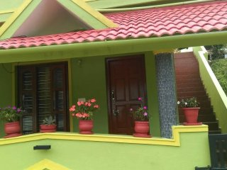 GREEN COUNTRY ECONOMY TRIPLE-A FAMILY HOMESTAY.