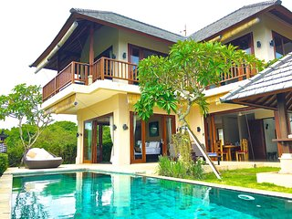Villa Karang Kirana- Ocean View- Close to beach