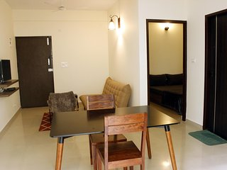 TRANQUIL SERVICED APARTMENTS - Cozy 1BHK with wifi 2A
