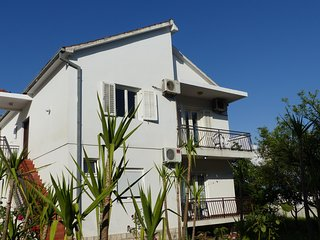 Apartment taking the top floor of this private villa, 50 meters from the beach