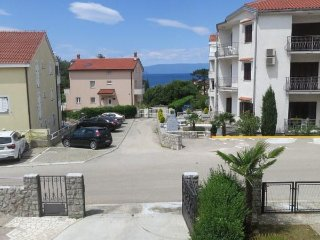 Apartment Vesel 1 150 m from the sea
