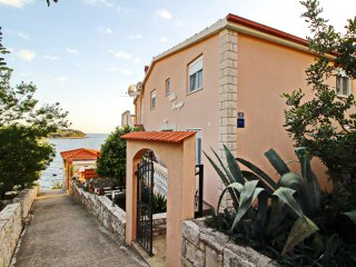 Apartments Villa Senija-Two Bedroom Apartment with Terrace and Sea View-Lavender, Blato