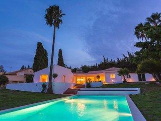Stunning villa with Mountain views - Los Campitos, Estepona