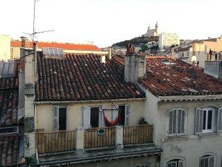 appart. 55 m2 pour 2 à deux pas du vieux port,du centre, vue sur la Bonne Mère