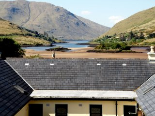 Connemara, 2 bed, 2 bath modern cottages