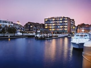 Discounts available on Charming 1 Bedroom Suite on the harbor in Newport, RI