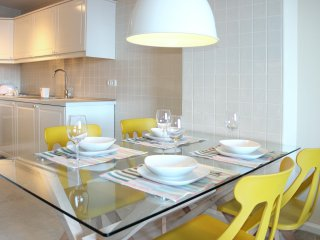 Ocean View, New&Stylish Yellow Flat on Playa Sotavento, Costa Calma