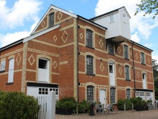 Swilland Mill-Booking All 3 cottages to sleep 16