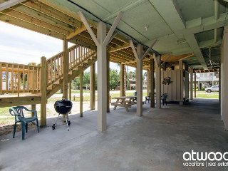 Obie's By the Sea - Screened Porch & Fantastic Location, Isla de Edisto
