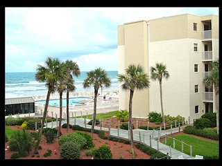 Oceanview 1 Bedroom-Currently being remodeled- Booking now!